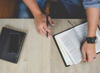 Bijbelstudie in de Sint Hendriks kerk